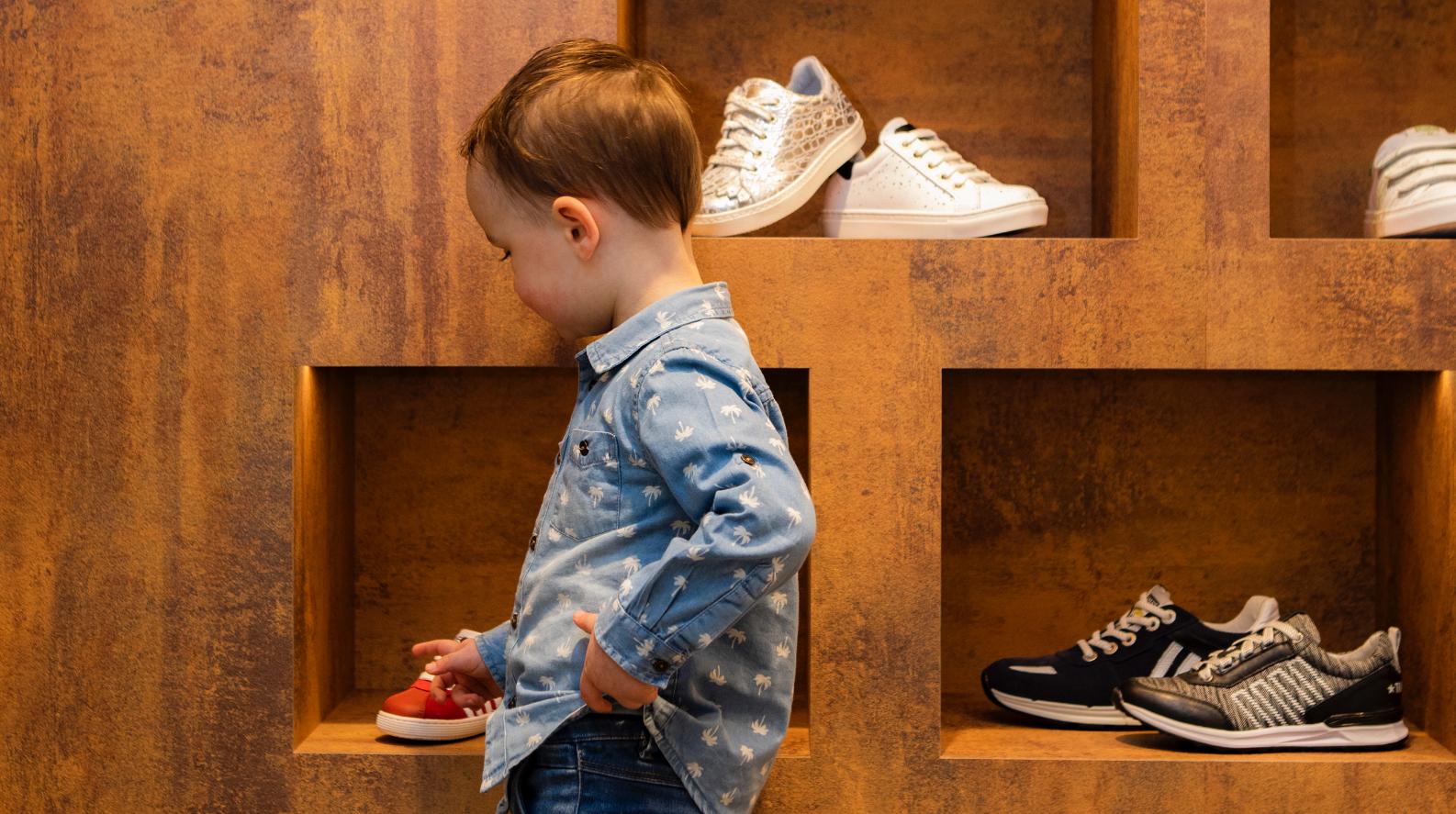 Specialist in kinder-schoenen